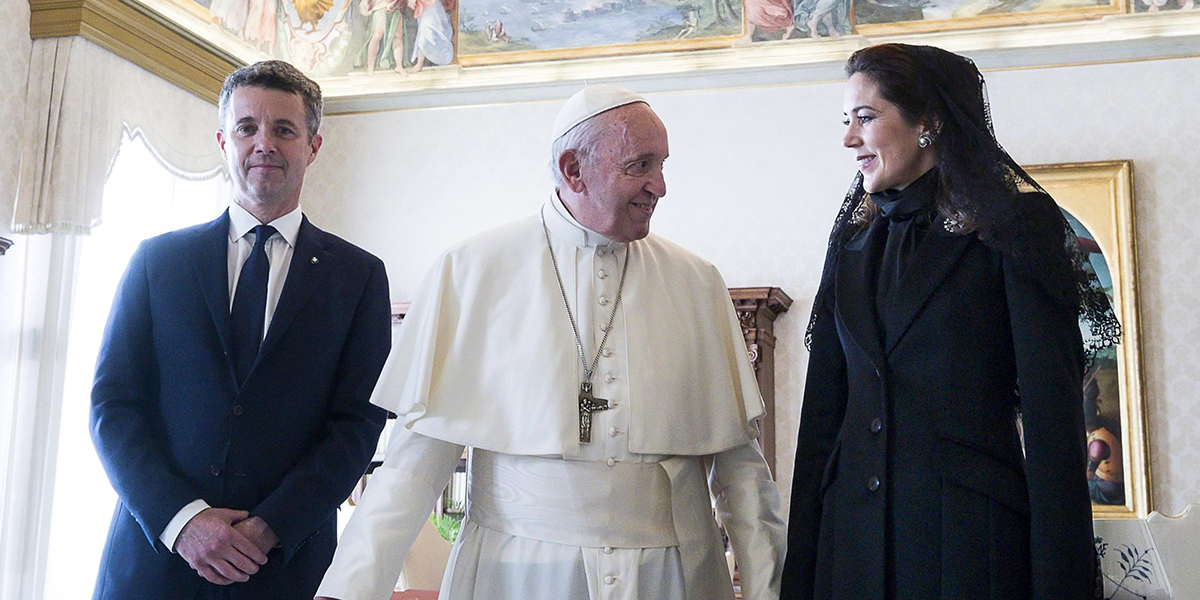 POPE DENMARK CROWN