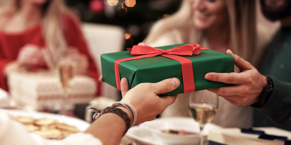 PRESENT GIVING