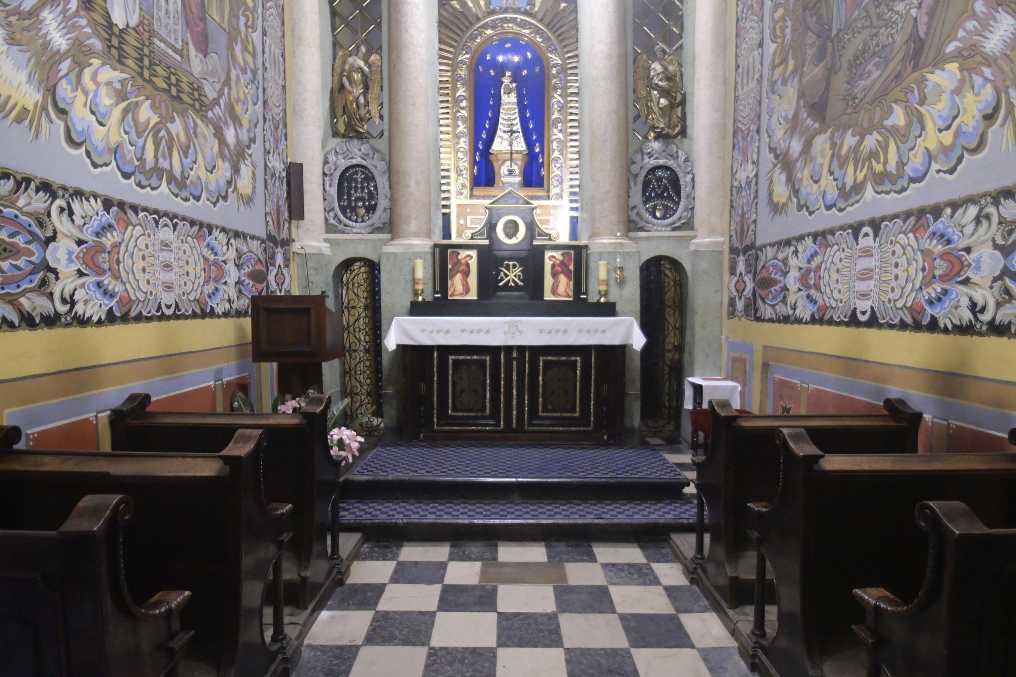 La Virgen De Loreto Y Su Santa Casa Trasladada Por Los ángeles