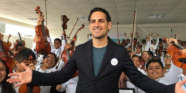 SINFONIA POR EL PERU