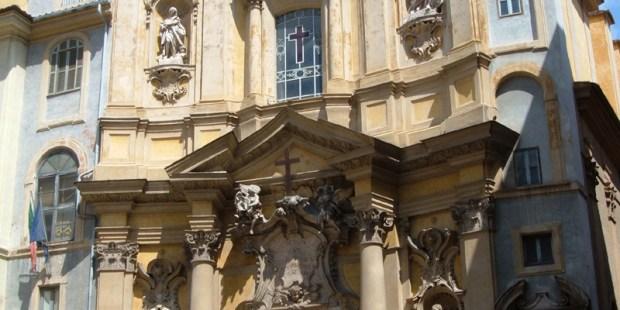 La iglesia de María Magdalena y la cruz milagrosa de san Camilo