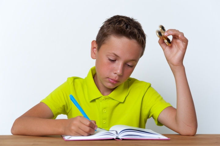 menino de estudo