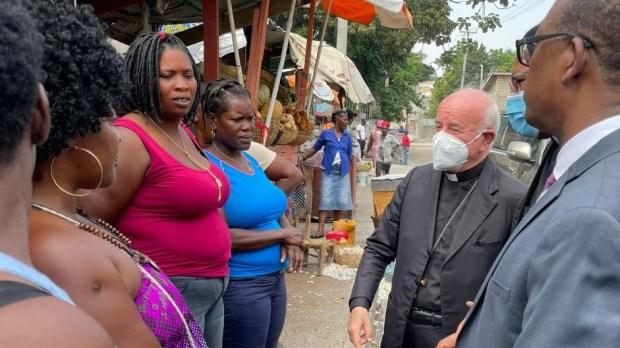 Momentos de la visita del arzobispo Vincenzo Paglia a Haití.