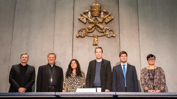 Pope-Prayer-App-Click-To-Pray-2.0