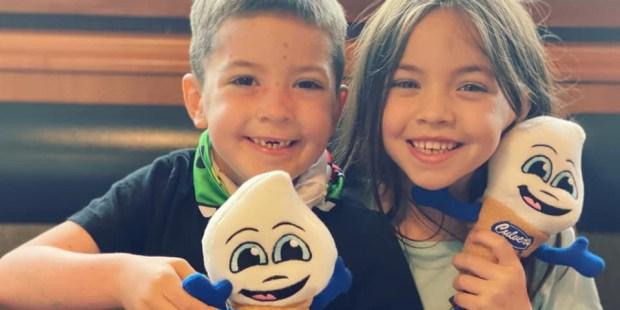 Beckett Burge, el niño de la foto viral, venció el cáncer
